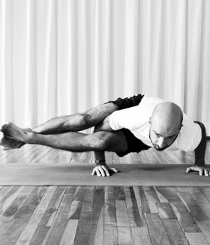 Philippe Leroyer Professeur Vinyasa Yoga Paris TriniYoga