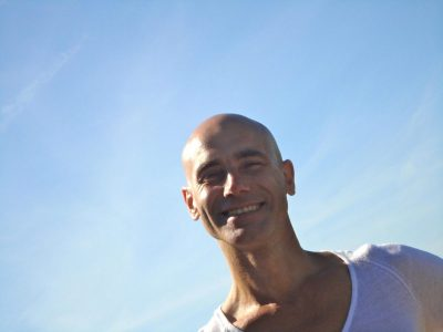 Franco Senica sourire - ciel bleu