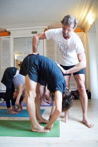 Cours de Yoga au studio TriniYoga Paris - Padahastasana