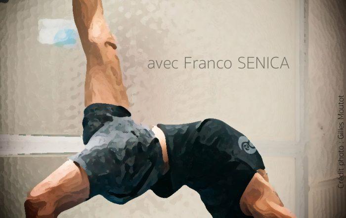 Posture Yoga flexion vers l'arrière - atelier pour tonifier la colonne vertébrale