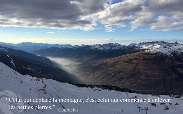 citation Confucius - Celui qui déplace la montagne - Trini Yoga