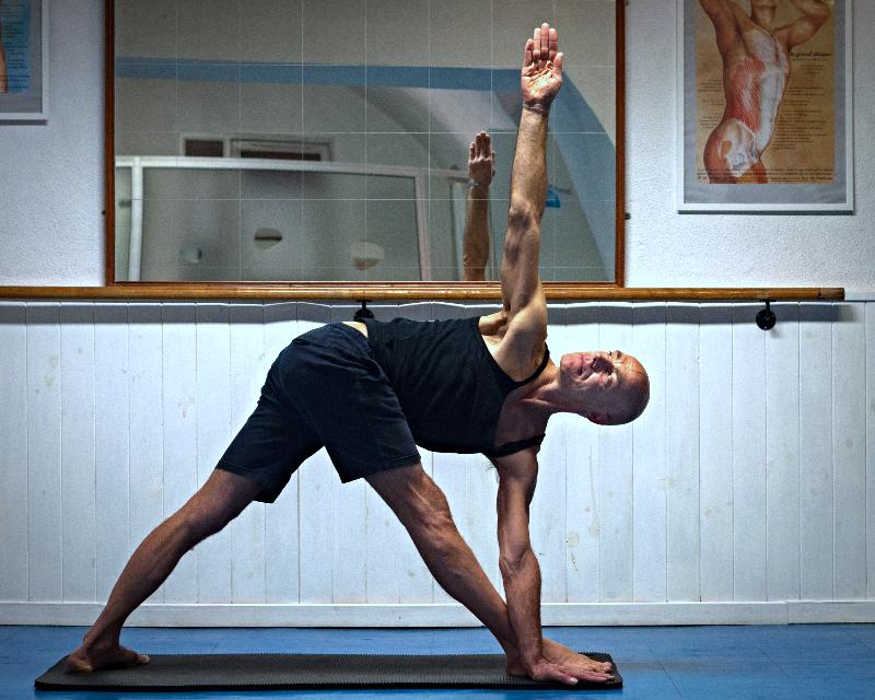 Franco Senica, posture de Yoga atelier thématique yoga à Paris